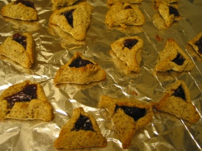Almond meal-based low-carb hamantaschen