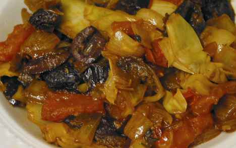 "Cooked ""Marbella"" relish with prunes, olives, tomatoes and artichoke hearts"